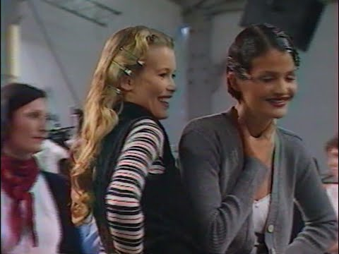 Carla Bruni Cindy Crawford Claudia Schiffer Helena Christensen very young backstage CHANEL 1994