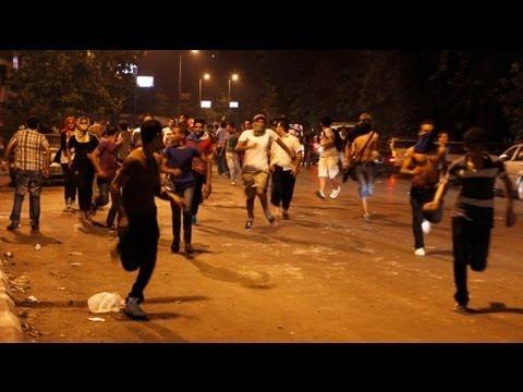 Manifestation hostile devant l'ambassade de Syrie au Caire