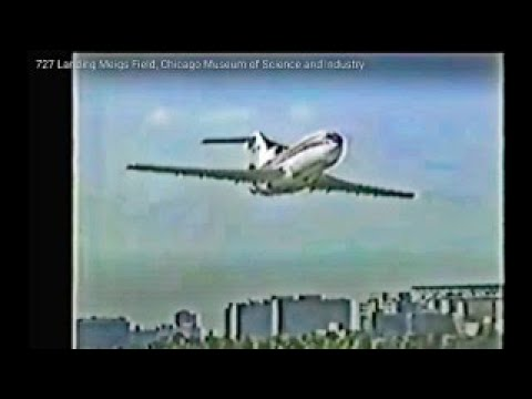 727 Landing Meigs Field, Chicago Museum Science and Industry