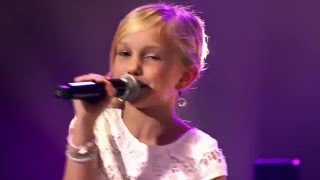 download musica 9-Year Old Josefien Sings Carpenters Top Of The World - Angelic Voice - Wow