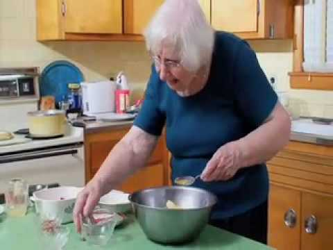 Feed Me Bubbe Episode #20 Stuffed Cabbage Closed Captioned by Project ReadOn