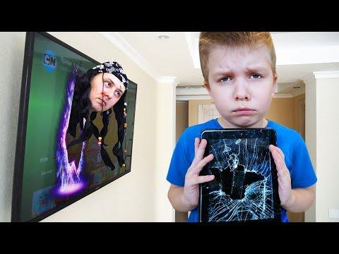 СТРАННЫЙ гость РАЗБИЛ планшет!!! Матвей в ШОКЕ! ПАПА в ЯРОСТИ! | Видео для детей Video For Kids IRL