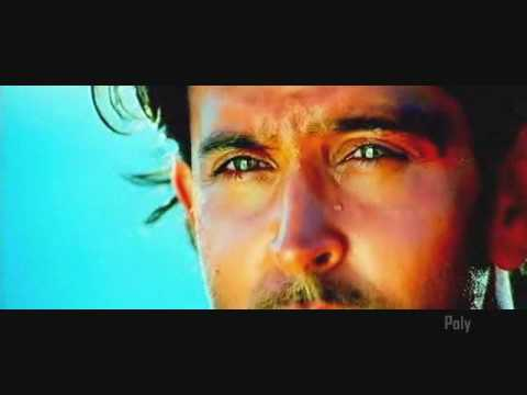 Hrithik looking at his co-stars   Dhoom:2