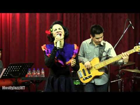 Andien - Gemilang @ Mostly Jazz 17/10/13 [HD]
