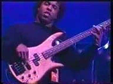 Victor Wooten Bass Guitar Video