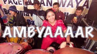 Download lagu 🔴 Ratu kendang Nyi Epep DiGENJOT trus kendang nya