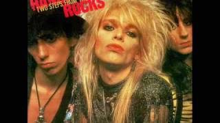 Watch Hanoi Rocks Two Steps From The Move video