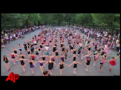 Raw Video: Central Park Ballet Record Attempt Video