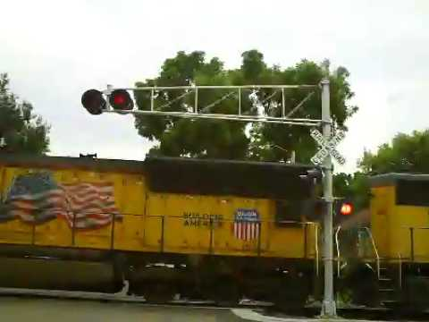 UP 4109 West Manifest Train Shakopee, MN (7-22-2012)