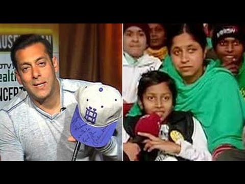 Salman Khan brings a smile on a young fan's face