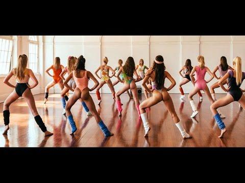 Twerking!- танец попой  Фитоняшки танцуют!