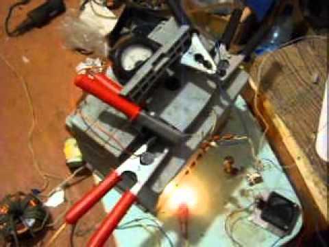 Заряд аккумулятора от трансформатора Тесла
