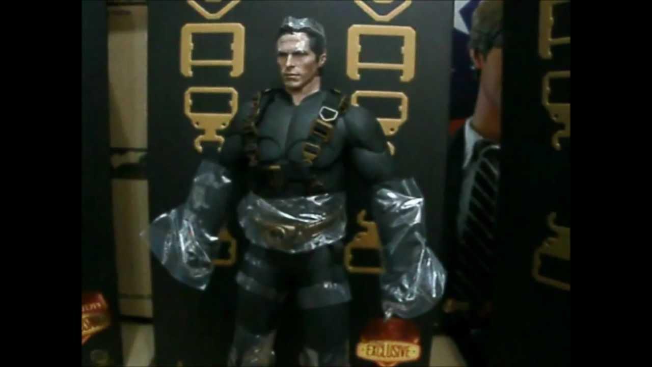 Begins Bruce Hot Toys Batman Begins / Bruce