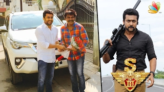 Success celebration, Surya gifts a car to director Hari