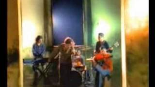 Watch Los De Adentro Una Cancion video