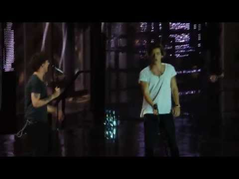 One Direction - TMH Tour @ Munich 17/5/2013 - Rock Me (Liam singing I feel good, talking)