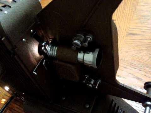 UNIVERSAL PC-500 vintage movie projector 8MM  film DEMO