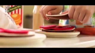 Cuisine en bois Hape, dinette en bois et accessoires pour petits cuisiniers