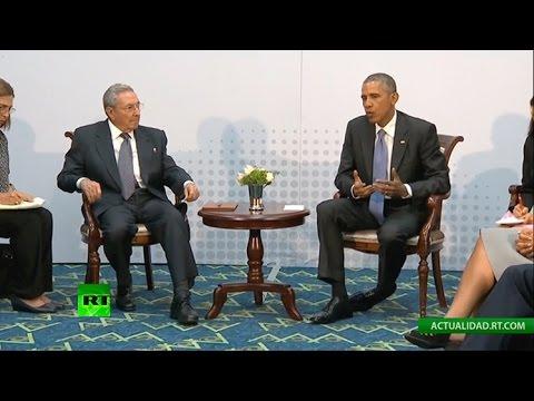 HISTÓRICO: Encuentro histórico entre Raúl Castro y Barack Obama