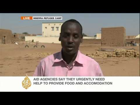 Thousands of Tuareg, Arab minorities flee violence in Mali