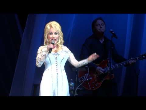 ''Here You Come Again'' - Dolly Parton - PNC Bank Arts Center - Holmdel, NJ - June 26th, 2016