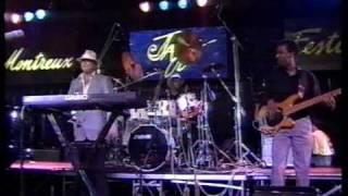 Killer Blues Bass Solo With Les McCann.