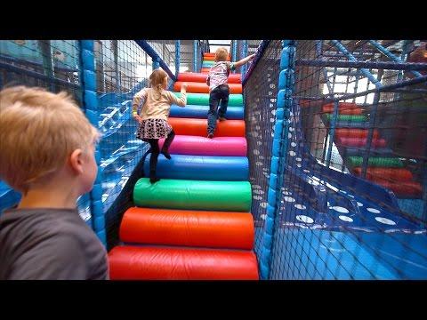 Kids Playing in Indoor Playground at Kalle's Lek & Lattjo (family fun for children)