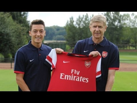 Mesut Özil unveiled at Arsenal