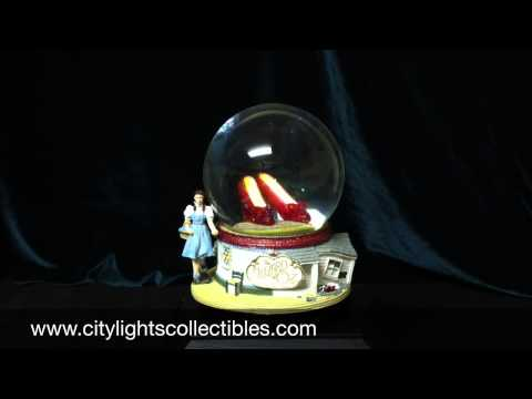 San-Francisco-Music-Box-842970016540-Ruby-Shoes-Musical-Globe