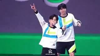[190105] DAY 1  GOT7 Random Dance Sexy Version (focus on Jinyoung)