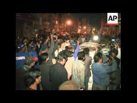 Blast wounds 19, destroys car in Karachi