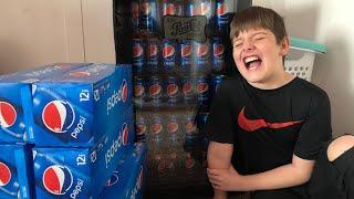 Kid Temper Tantrum Steals Daddy 39 S Mini Fridge And Replaces Coca Cola With 120 Pepsi Cans Original