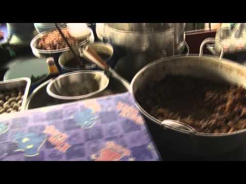 """A famous noodle soup shop in Bangkok, """"Lan Go Hap"""""""