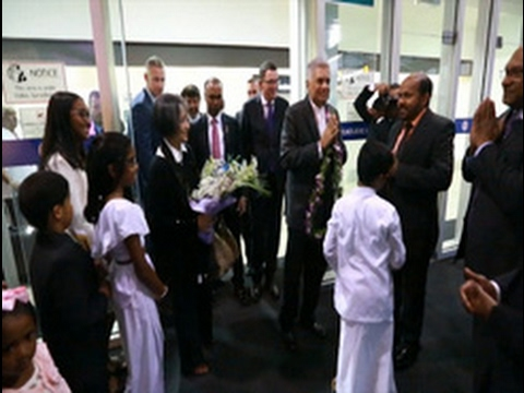 pm delegation arrive|eng