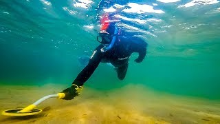 Metal detecting underwater for Treasure