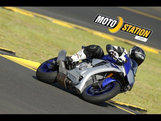 Vid�o Essai Yamaha R1 2015 : Recommand�e par le docteur Rossi
