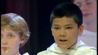 3.Angel Voices - ''Far Away''. ( Libera in concert ).
