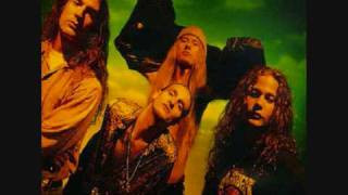 Watch Alice In Chains Nutshell video