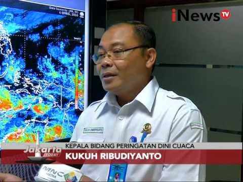 Banjir Ibukota, warga bersihkan sampah sisa banjir - Jakarta Today 10/02