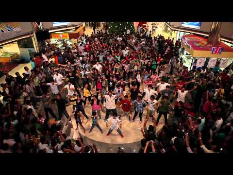 Flash Mob Kochi at Oberon Mall - December 2011 - Official Video HD