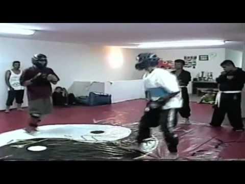 Peleas vale-todo de Kung-Fu Praying Mantis Medina en Parral Chihuahua