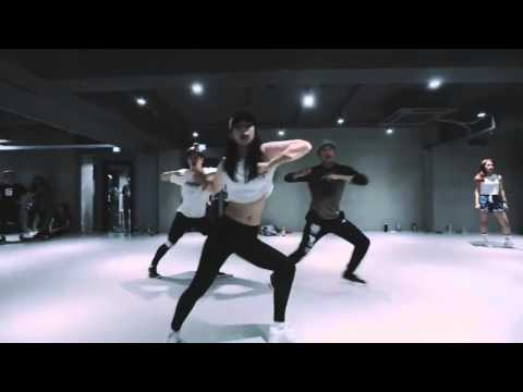 [video]1MILLION DANCE STUDIO