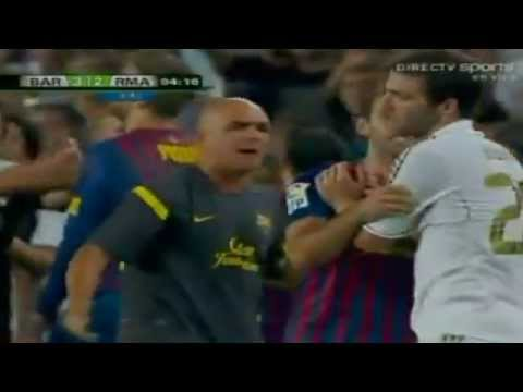 Pelea Barcelona vs Real Madrid Supercopa 2011