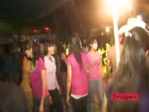 Santa Maria Sola de Vega Oax.  Banda La Fiera de las Chilenas 18/8/11   parte 2
