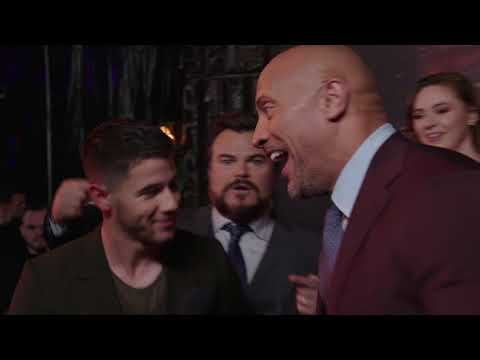 Jumanji Welcome To The Jungle Premiere LA - Cast Interview (official Video)