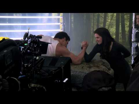 The Twilight Saga: Breaking Dawn - Part 2  - Exclusive Special Features Clip - arm Wrestling video