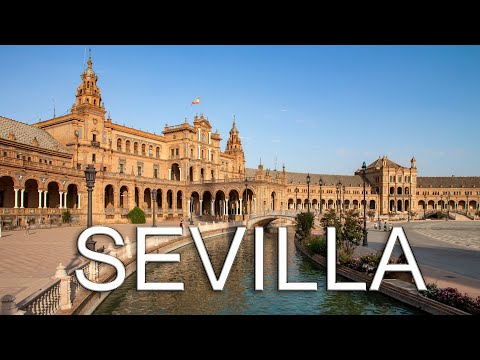 Seville A Walking Tour Around The City / Sevilla Un Paseo Por La Ciudad