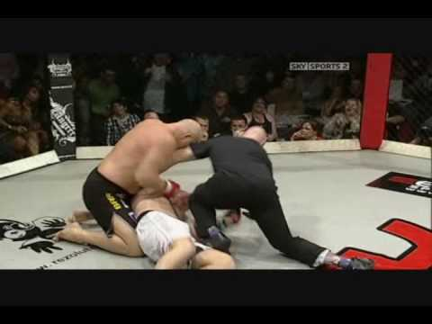 MMA - The Knockouts of 2009 - Vol.1 Image 1