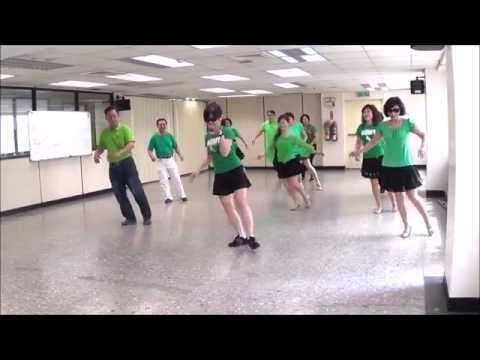 Tippy Tippy Toes Line Dance (demo & Walk Through) - 踮腳尖  排舞(含導跳) video