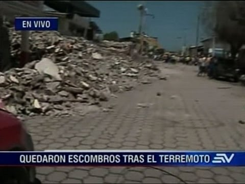 Raw: Ecuador Searches for Earthquake Survivors